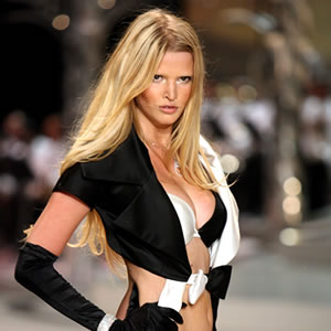 Top Ten Super Models - Lara Stone